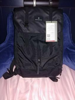 Victorinox Luggage Altmont 3.0 Flapover Laptop Backpack, Bla
