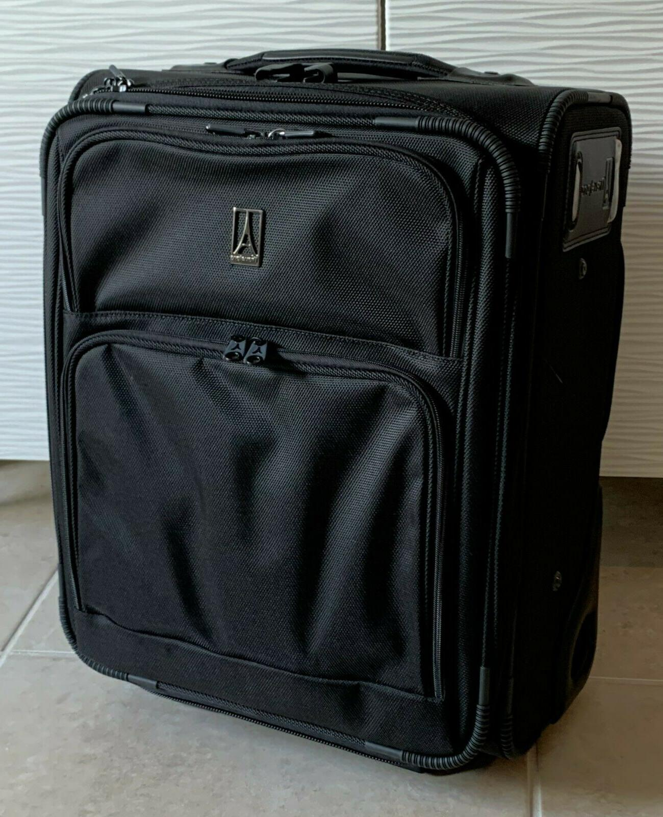flightcrew3 18 rollaboard suitcase new