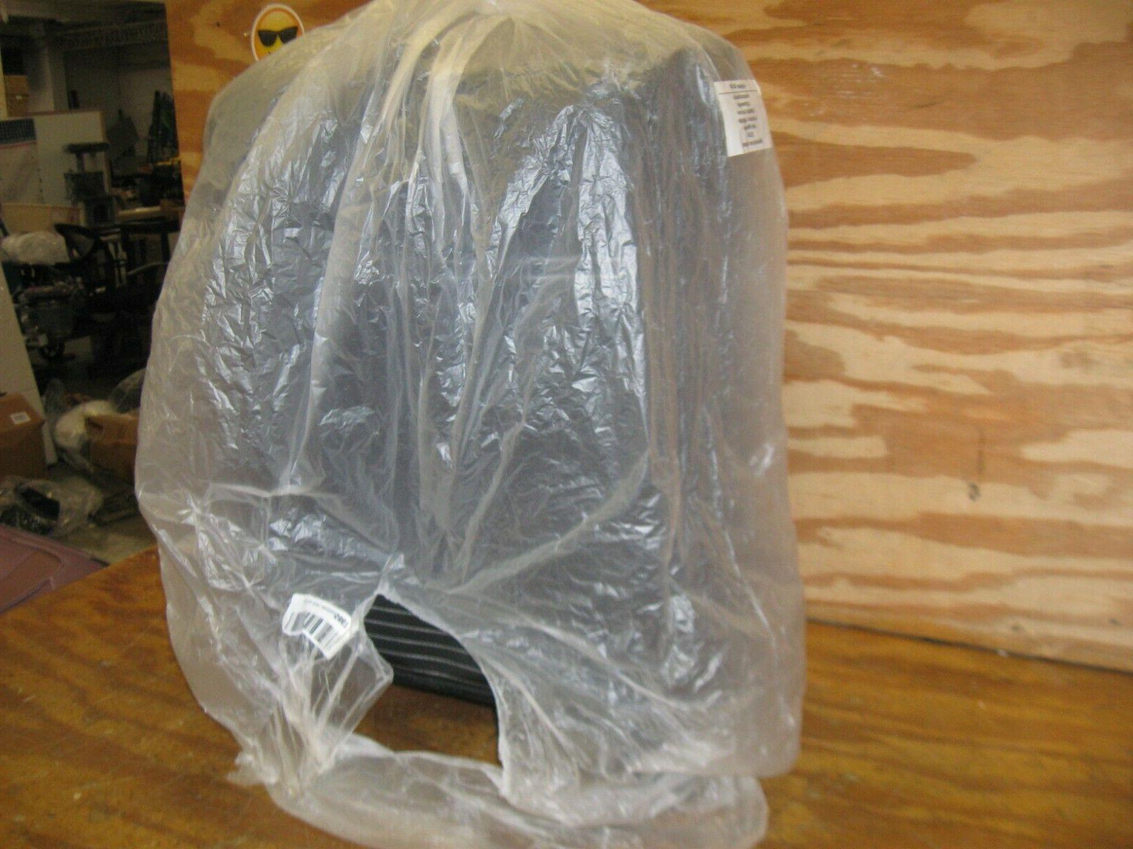 AmazonBasics Lightweight Softside Spinner Suitcase with