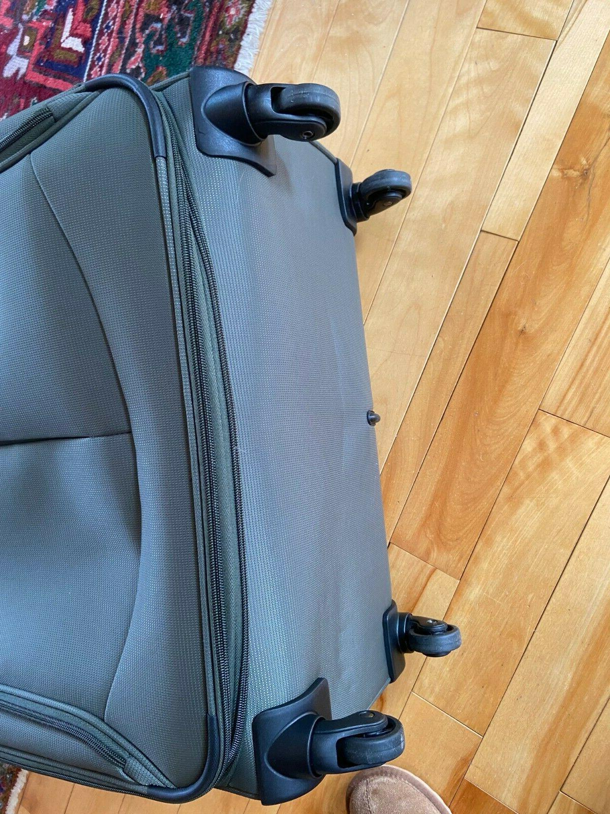 """New Travelpro 29"""" Expandable Spinner Luggage Softshell 9"""