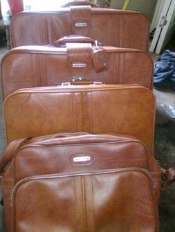 World Traveler Luggage Set. Beautiful brown leather vintage