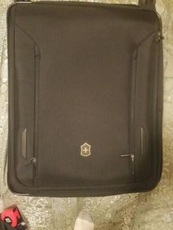"VICTORINOX VX AVENUE $1,000 27.5"" LARGE EXPANDABLE SPINNER S"